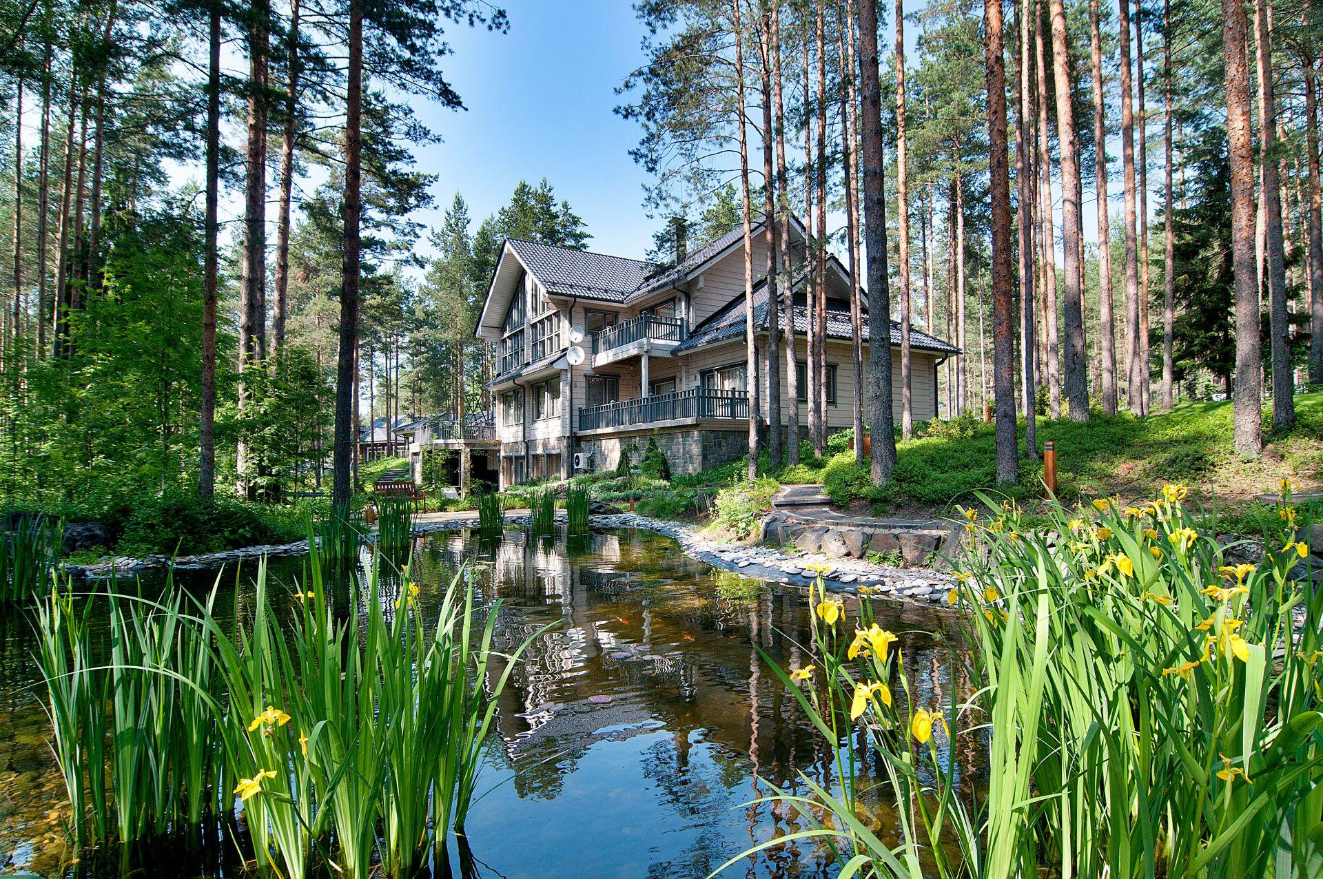 Проект современного финского дома из клееного бруса