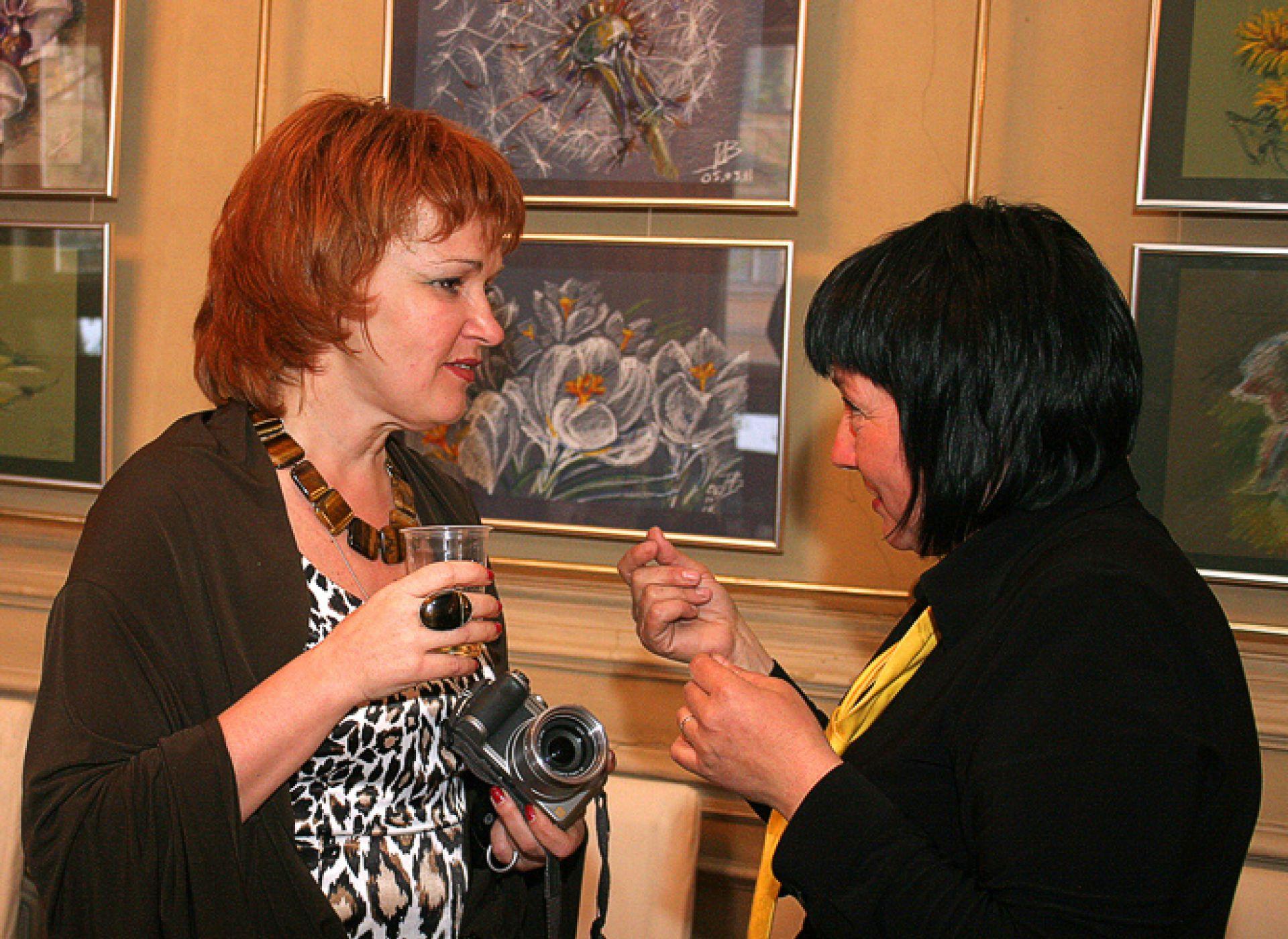Первая художественная выставка Ирины Завариной — архитектора компании HONKA