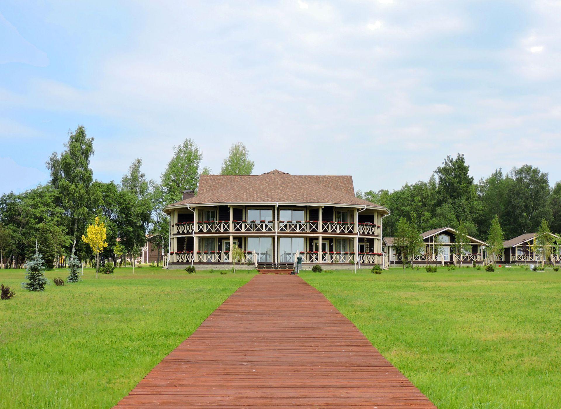 Cотрудничество HONKA и Vazuza Country Club