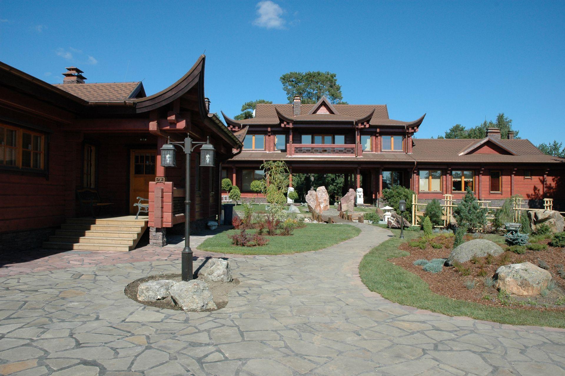 двухэтажный дом в японском стиле