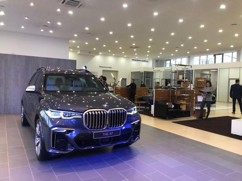 HONKA спонсор презентации нового BMW X7 в Новосибирске